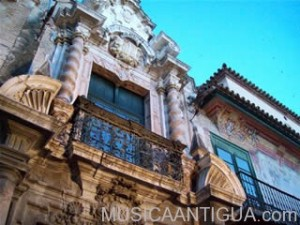 Un concierto de música antigua para reabrir los balcones largos