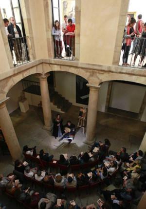 Raquel Andueza y Jesús Fernández Baena ponen música a los cuadros