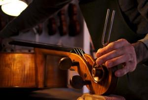 El taller de un Luthier, donde nace la música