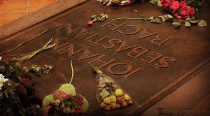 El honor de cantar ante la tumba de BACH